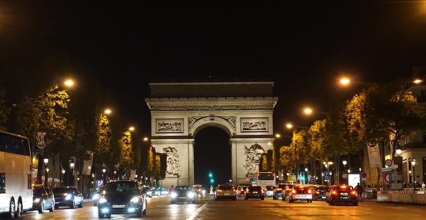 triumfbuen Paris