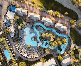 Hotel med pool