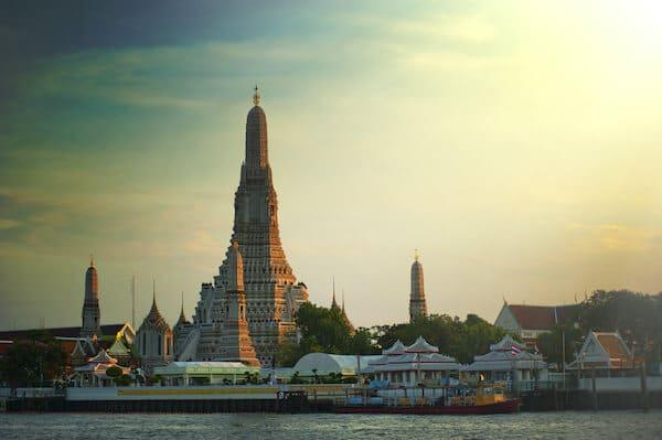 rejs til wat arun Thailand
